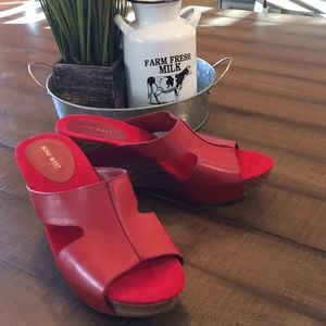 Nine West red leather wedge size 11